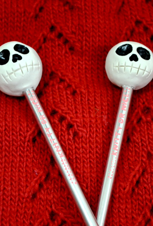 Richard Patmore Skull Knitting Needles 02 intwinedesign RichardPatmore Custom Skull Knitting Needles